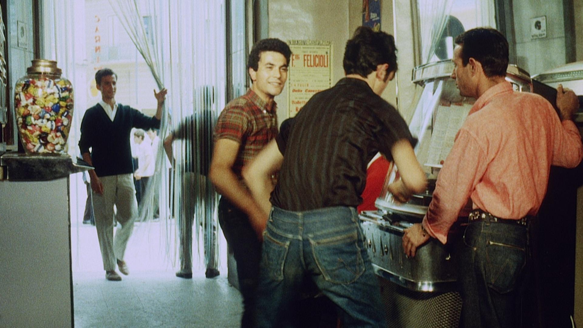 Nessuno ci pu giudicare il docu film di steve della casa - Film lo specchio della vita italiano ...